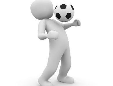 サッカーの浮き球!トラップはどうする?